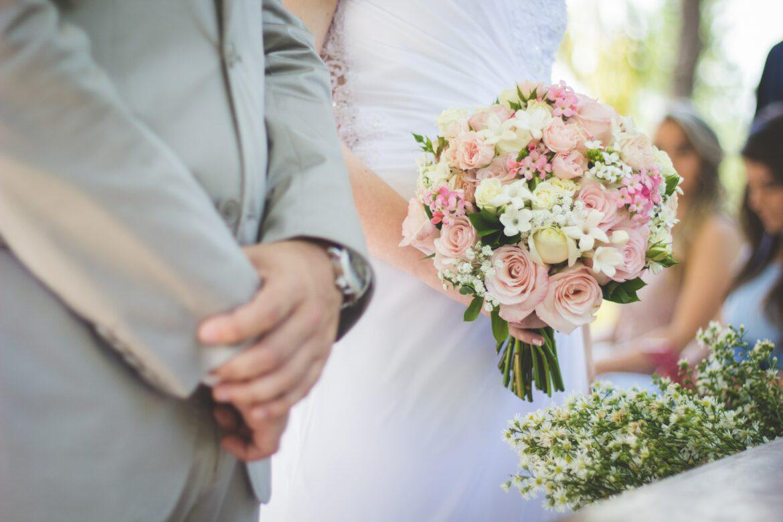 Svatební kytice, nevěsta a ženich